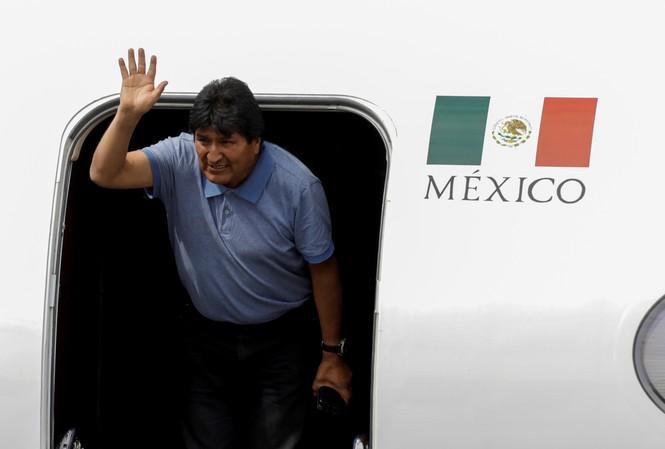 Cựu Tổng thống Bolivia Evo Morales đến Mexico tị nạn. Ảnh: Reuters