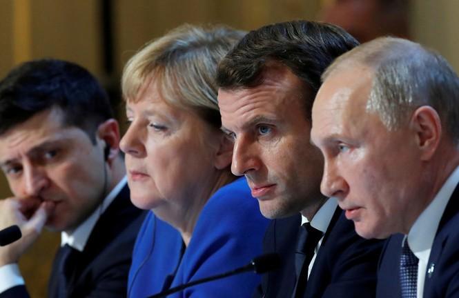 Từ phải sang: Tổng thống Nga Vladimir Putin, Tổng thống Pháp Emmanuel Macron, Thủ tướng Đức Angela Merkel và Tổng thống Ukraine Volodymyr Zelensky. Ảnh: Reuters