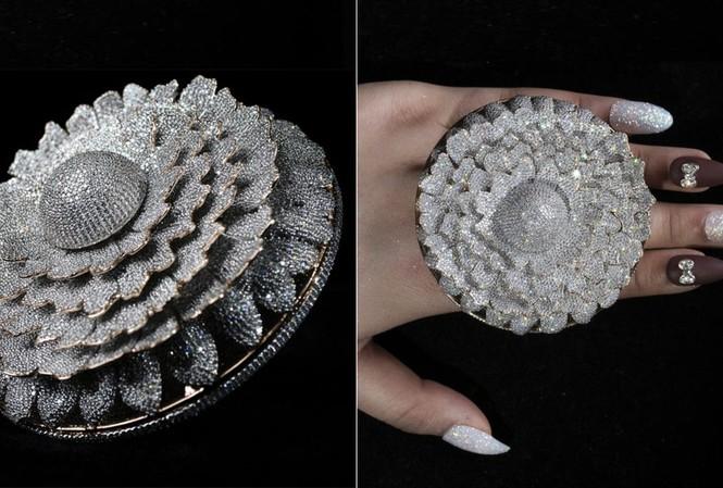 Ngắm chiếc nhẫn 'Cúc vạn thọ' lập kỉ lục thế giới với 12.600 viên kim cương