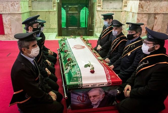 Tang lễ chuyên gia Mohsen Fakhrizadeh. Ảnh: Reuters
