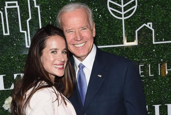 Ông Joe Biden và con gái Ashley. Ảnh: Getty