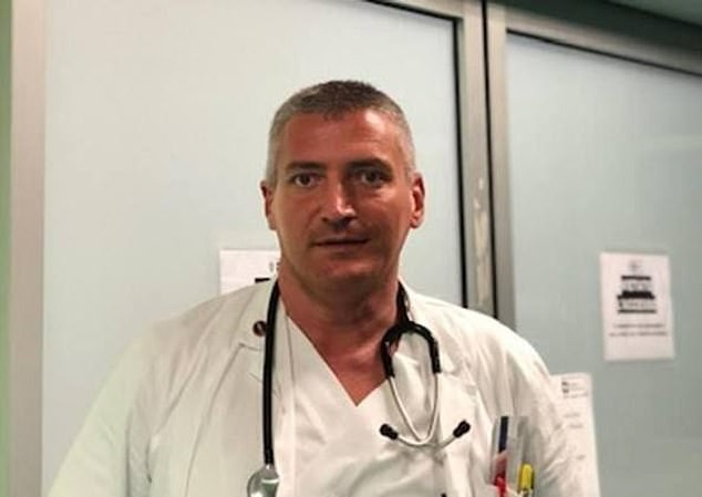 Bác sĩ Carlos Mosca. Ảnh: Daily Mail
