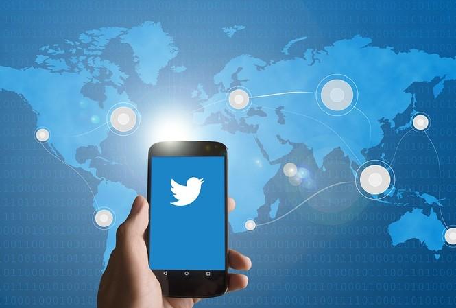 Tính đến đầu năm 2019, Twitter có 321 triệu người dùng hoạt động thường xuyên, đến từ nhiều nước trên thế giới, trong đó có Việt Nam. Ảnh: Scroll.