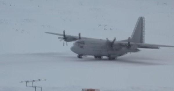 Một máy bay vận tải quân sự C-130 Hercules ở vùng băng tuyết (ảnh minh họa. Nguồn: RT.
