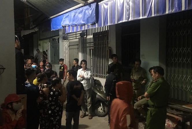 Lực lượng công an đã có mặt tại hiện trường để điều tra vụ việc.