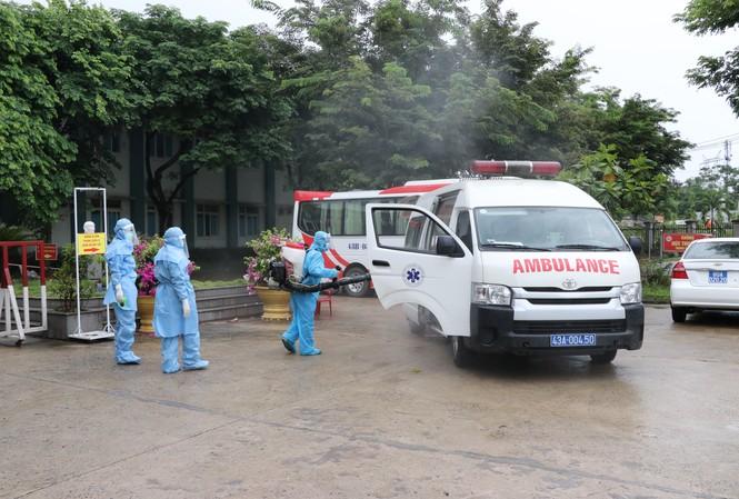 Việt Nam đang kiểm soát tốt dịch bệnh COVID - 19, tuy nhiên, Trưởng Đại diện WHO tại Việt Nam Kidong Park nhận định phải luôn cảnh giác trước nguy cơ lây nhiễm cộng đồng