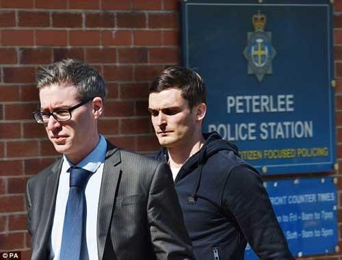 Adam Johnson đối mặt án tù vì quan hệ với trẻ dưới vị thành niên.