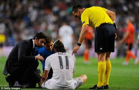 Bale dính chấn thương khá nặng.
