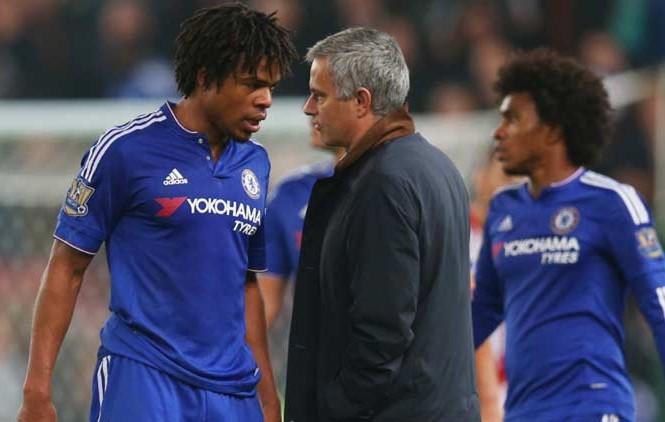 Remy muốn Mourinho tiếp tục dẫn dắt Chelsea.