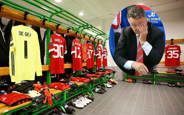 Van Gaal tố chủ nhà Wolfsburg chơi xấu.