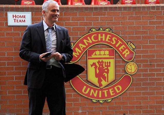 Mourinho thừa nhận sẽ dẫn dắt M.U trong thời gian tới.