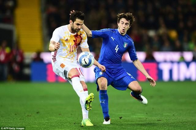 Tây Ban Nha sẽ gặp Italia ngay vòng 1/8.