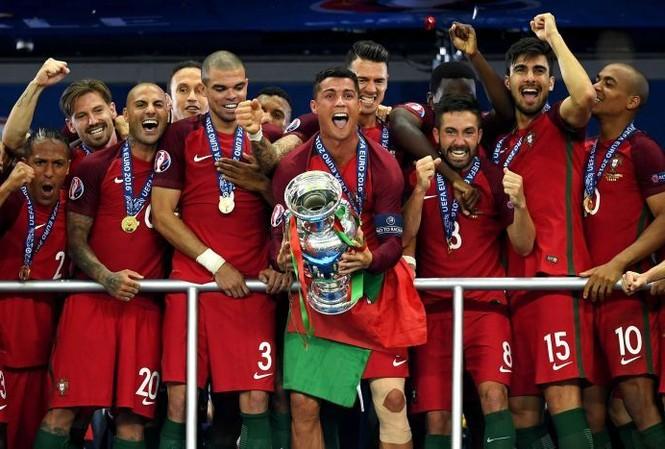 Bồ Đào Nha lên hạng 6 thế giới.