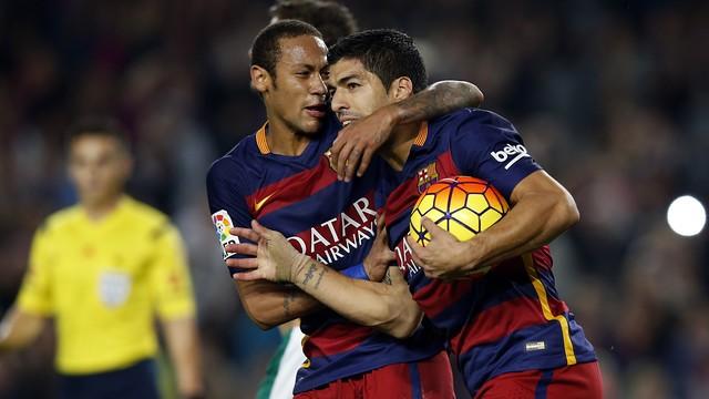 Barcelona sẵn sàng tăng lương cho cả Neymar và Suarez.