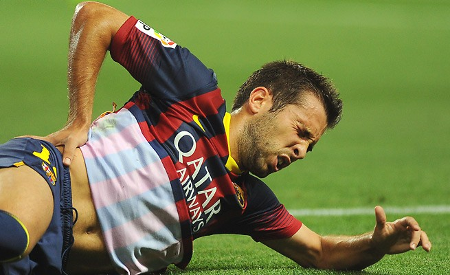 Alba là một trong những cầu thủ Barcelona bị chấn thương.