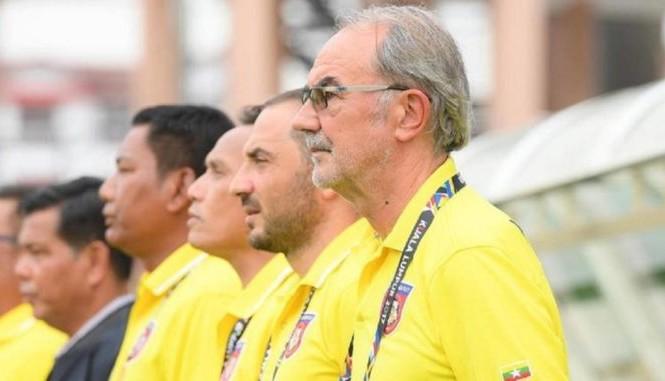 HLV Gerd Zeise thất vọng về thái độ thi đấu của U22 Myanmar.