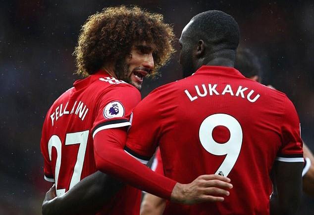 Romelu Lukaku và Marouane Fellaini đã sẵn sàng ra sân.