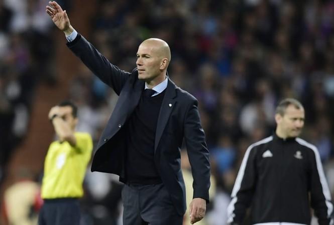 HLV Zidane lần thứ 3 liên tiếp đưa Real Madrid vào chơi chung kết Champions League.