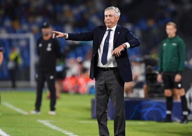 HLV Carlo Ancelotti đã giúp Napoli có chiến thắng thuyết phục trước Liverpool.