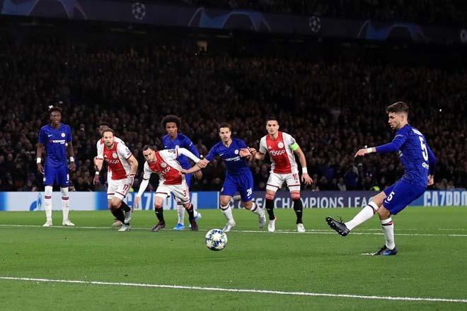 Jorginho thực hiện thành công 2 quả penalty cho Chelsea.