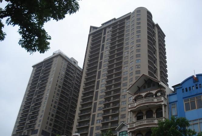 Chủ dự án chung cư 88 Láng Hạ đã tự ý xây dựng thêm 6 căn penhouse tại tầng kỹ thuật và tầng mái để bán thu hàng tỷ đồng.