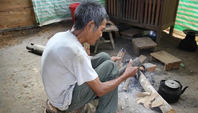 Người dân Tày Pọong chưa hết lo cho ông Lo Văn Bình