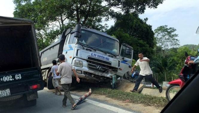 Chiếc xe tải gây tai nạn. Ảnh: Yên Minh.