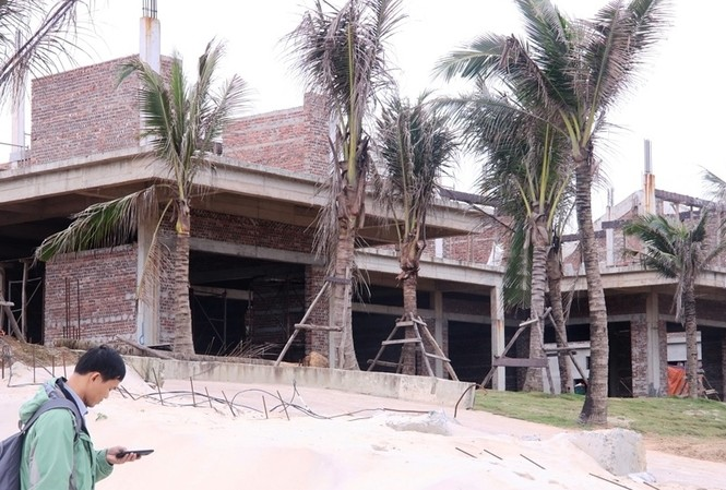 Một góc khu du lịch biển The Song Đà Nẵng vừa bị xử phạt 100 triệu đồng. Ảnh Nguyễn Thành