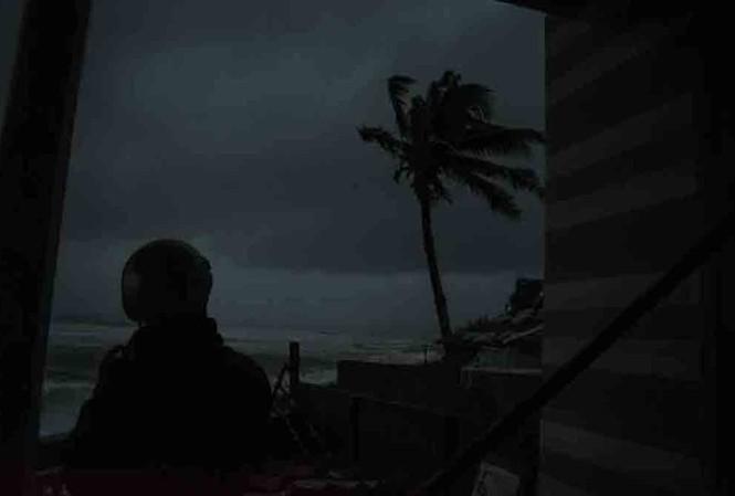 Lúc 6 giờ sáng nay, 28.10, biển miền Trung sóng gió dữ dội - ảnh Lê Văn Chương