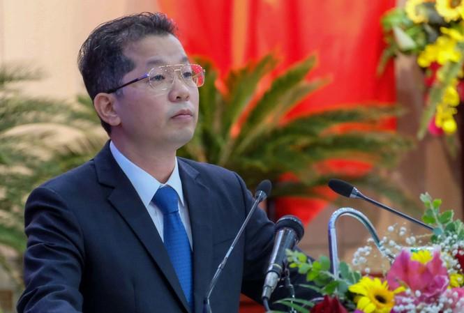 Ông Nguyễn Văn Quảng, Bí thư Thành uỷ Đà Nẵng phát biểu tại kỳ họp.