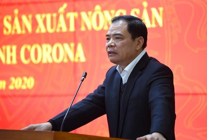 Bộ trưởng NN&PTNT Nguyễn Xuân Cường cho biết dịch bệnh do virus corona gây ra đang tạo khủng hoảng rất lớn đến kinh tế toàn cầu và nguy hiểm đến tính mạng của con người.