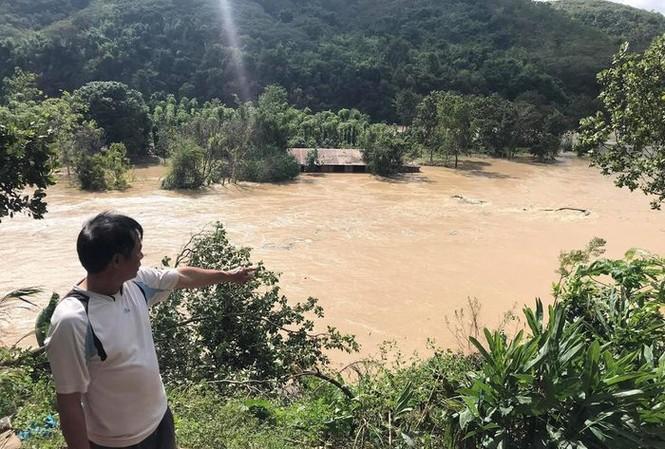 Người dân phản ánh, việc thuỷ điện Buôn Kuốp xả lũ đã gây thiệt hại cho người dân ở hạ du