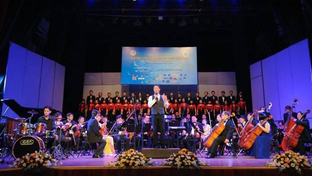 """""""Giai điệu Thắp Sáng Niềm Tin – Hope Symphony"""" với nhạc trưởng Lê Phi Phi"""