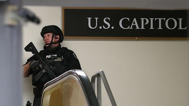 Cảnh sát tại Điện Capitol