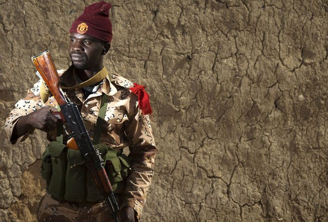 Một binh sỹ quân đội Mali
