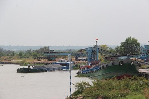 Bến thủy nội địa của Cty TNHH Cường Hưng thời điểm đang hoạt động