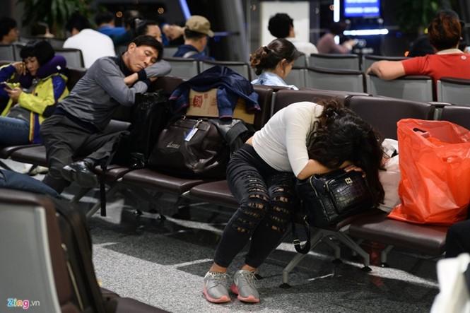 """Hoãn huỷ chuyến bay tăng và """"điệp khúc"""" tàu bay về muộn"""