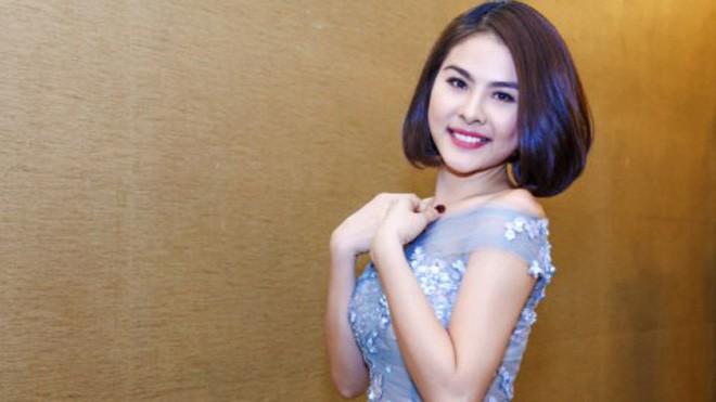 Vân Trang chi 6000 USD mua váy dự liên hoan phim tại Pháp