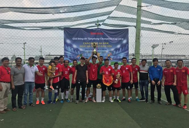 Đội bóng Đoàn Thanh niên EVNHCM vô địch Giải bóng đá Tienphong Champions Cup 2019
