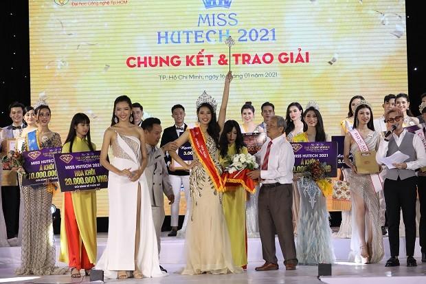 Mai Hiếu Ngân đăng quang Hoa khôi Miss HUTECH 2021