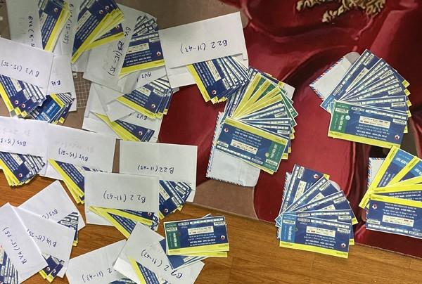 Hàng trăm vé giả được đối tượng Bùi Văn Kiên sản xuất, bán ra chợ đen.