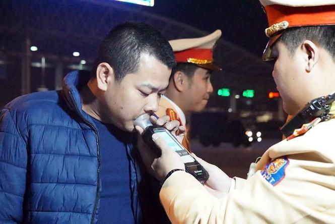 CSGT toàn quốc tăng cường xử lý nồng độ cồn, ma túy dịp Tết