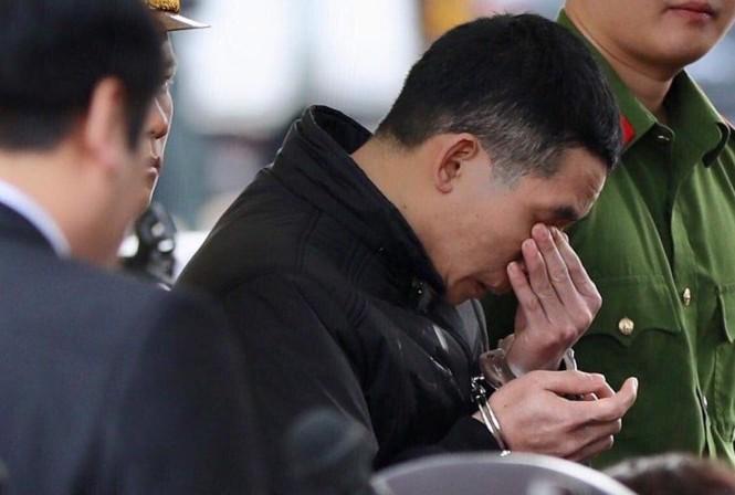 Bị cáo Lường Văn Lả bật khóc khi bị đề nghị tử hình cho 3 tội danh