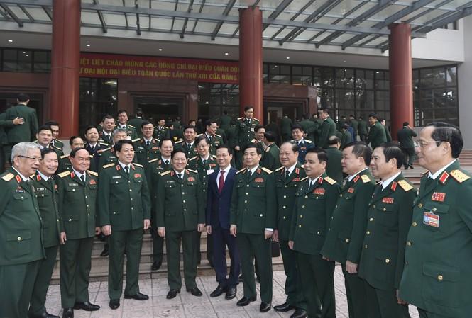 Lãnh đạo Quân ủy T.Ư, Bộ Quốc phòng, Bộ Thông tin và Truyền thông cùng các đại biểu tham dự buổi gặp mặt.