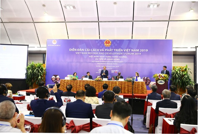 Thủ tướng Nguyễn Xuân Phúc tại Diễn đàn cải cách và phát triển Việt Nam.