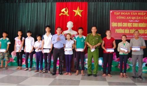 Tân Hiệp Phát tặng quà cho trẻ em nghèo Đà Nẵng