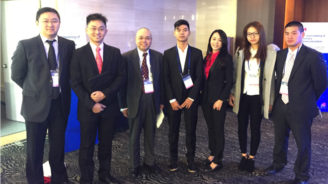 Sinh viên đại học Tân Tạo thuyết trình tại Hội thảo tim mạch ở Hàn Quốc
