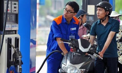 Giá xăng sẽ điều chỉnh ngày mai.