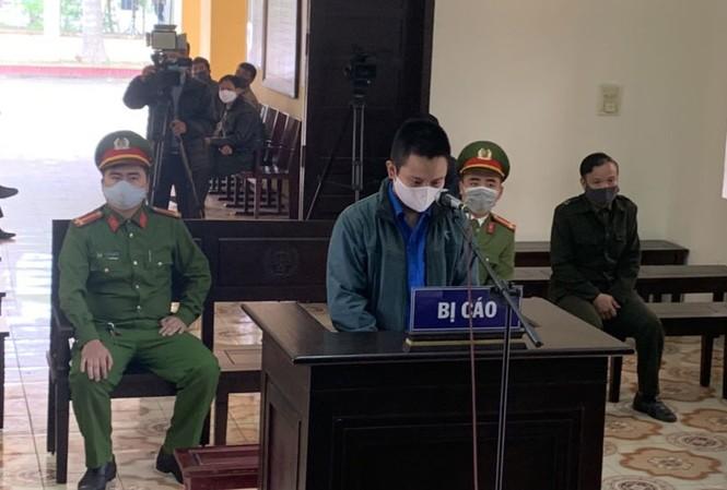 """Trần Văn Mạnh bị xử 9 tháng tù giam vì """"thông chốt"""" kiểm dịch và đánh nhân viên trực - Ảnh: Hoàng Long"""