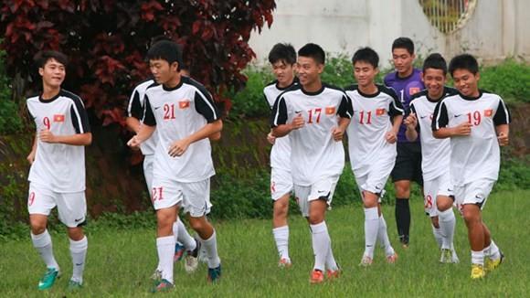 """Các cầu thủ U19 Việt Nam """"khó"""" cao lớn thêm"""